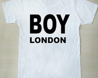 футболка с надписью boy