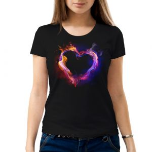 Изображение Женская футболка с космическим сердцем